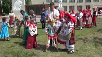 Назад в будущее. Зачем жители воронежского села на один день переодеваются в народные костюмы