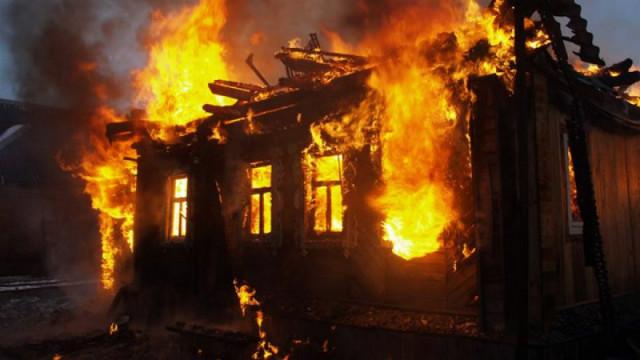 В Воронежской области в сгоревшем доме нашли тело мужчины