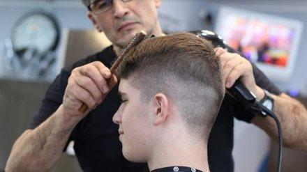 В Воронежской области разрешили возобновить работу парикмахерским и похоронным бюро