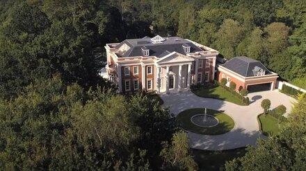 Владелицей самого дорогого дворца под Лондоном может быть жена воронежского экс-сенатора