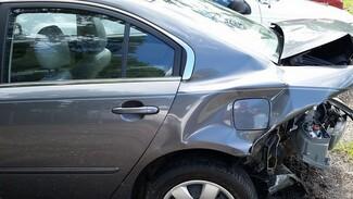 Под Воронежем при столкновении автомобиля и микроавтобуса погиб мужчина