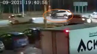 Момент жёсткого ДТП со скутером в Воронеже сняли на видео