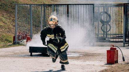 На Нововоронежской АЭС устроили соревнования пожарных-добровольцев
