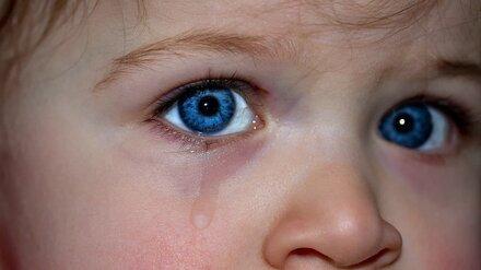 В Воронежской области двухлетняя малышка получила перелом шеи после игр с отчимом