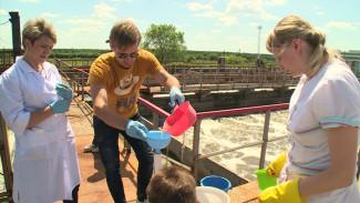 В поисках источника вони в Воронеже экологи взяли новые пробы на ЛОС