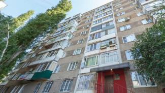 В Воронеже ночью женщина выпала из окна 7 этажа
