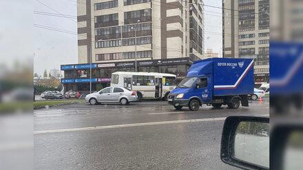 В Воронеже водитель маршрутки умер за рулём