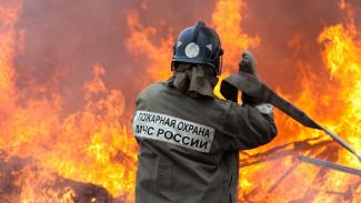 При пожаре в частном доме в Воронеже пострадал пенсионер