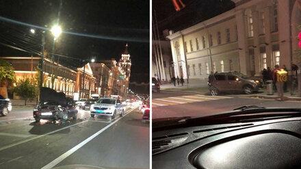 В центре Воронежа после ДТП иномарку отбросило на пешехода