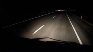 На трассе в Воронежской области грузовик насмерть сбил неизвестного мужчину