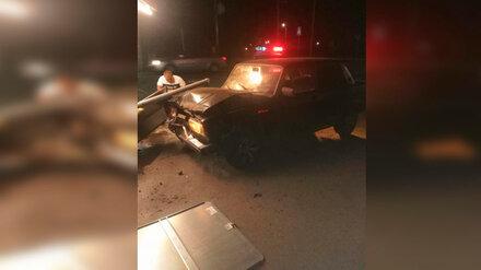 В Воронежской области водитель снёс дорожные знаки и насмерть сбил пешехода