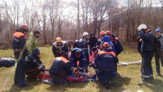 Школьник из Воронежа сорвался с 7-метрового моста на Кубани
