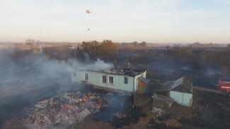 «Побежал, а пламя следом». Погорельцы рассказали о пожаре в селе под Воронежем