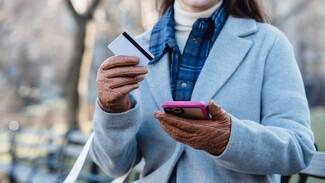 В Воронеже на женщину по телефону «повесили» 5 кредитов в разных банках