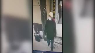 Появилось чёткое видео с предполагаемым убийцей воронежской учительницы