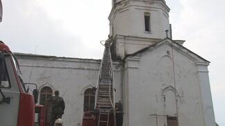 Обгоревшая после удара молнии воронежская церковь лишилась колоколов