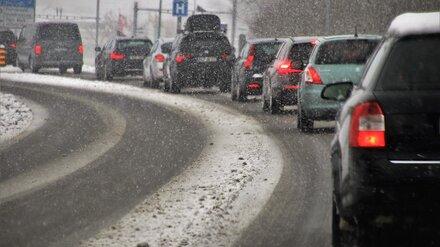 Мощный снегопад спровоцировал 9-балльные пробки в Воронеже