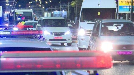 Неизвестный водитель насмерть сбил женщину на зебре в Воронеже