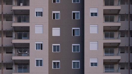 Под Воронежем женщина выпала с балкона 17-этажки