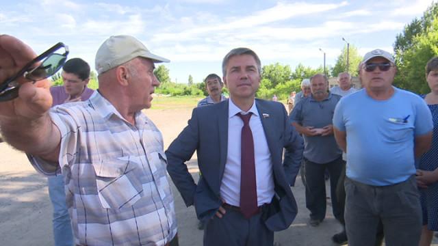 Конфликтом воронежских сельчан с заводом после разлива серной кислоты заинтересовался депутат Госдумы