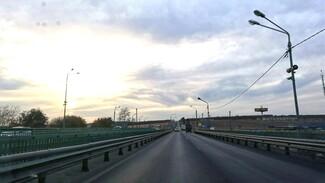 На выезде из Воронежа по Курской трассе полностью открыли мост через Дон