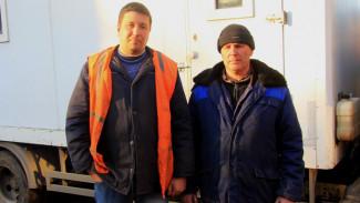 В Воронеже сотрудники водоканала спасли от пожара жилой дом