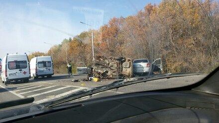 Под Воронежем в страшном ДТП с иномаркой и «Жигулями» пострадало 4 мужчин