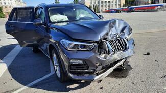 Два водителя и пассажир пострадали в ДТП на площади Ленина в Воронеже