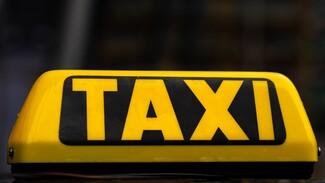 Пьяного таксиста поймали на оживлённой дороге в Воронеже