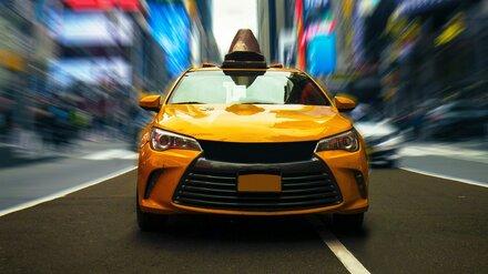 В Воронеже автоинспекторы за день поймали на нарушениях 14 таксистов