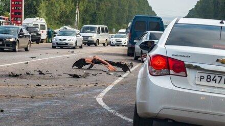 Восемь машин столкнулись на трассе в Воронежской области: погибла 12-летняя девочка