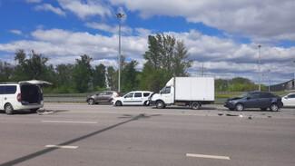 В массовом ДТП в Воронеже пострадал один из водителей
