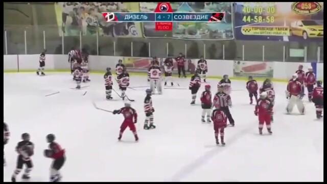Массовую драку юных воронежцев на хоккейном матче назвали «игровым моментом»