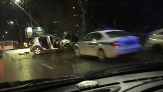 В Воронеже в ДТП с иномаркой и пассажирским автобусом пострадали два человека