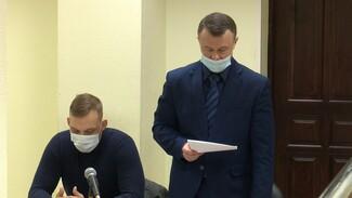 Два воронежских экс-прокурора отказались признать вину в мошенничествах и взятках