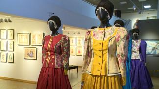 Известная художница показала в Воронеже лучшие театральные костюмы