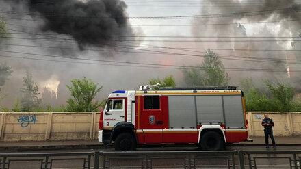 Спасатели потушили крупный пожар в Юго-Западном районе Воронежа
