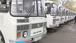 Водители пригородных автобусов получили транспорт, который не сыпется