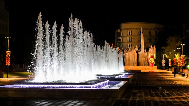 Воронежцам показали подсветку фонтанов на обновлённой площади Победы
