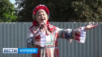 В районах Воронежской области голосовали под песни и танцы