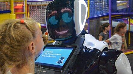 В детский сад Воронежа взяли на работу робота-воспитателя