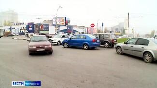 В Воронеже из-за «выделенки» на Северном мосту запретят левые повороты на Перевёрткина