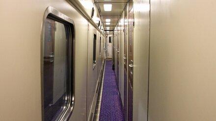 Путешествующих воронежских школьников сняли с поезда из-за всплеска ковида в регионах