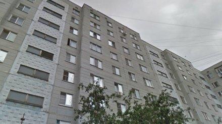 В Воронеже парень выпал с 9 этажа на глазах у детей
