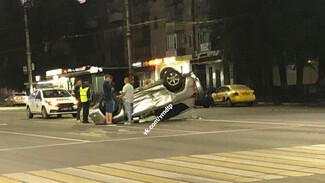 В Воронеже кроссовер опрокинулся после ДТП с Maserati