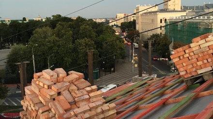 Коммунальщики ответили обеспокоенным опасным ремонтом сталинки воронежцам