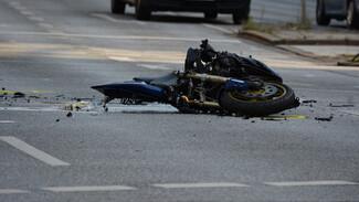 Под Воронежем 73-летний мотоциклист влетел под грузовик и погиб