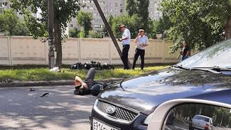 Мотоциклист пострадал в ДТП с внедорожником в Воронеже
