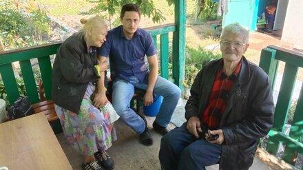 Под Воронежем сосед с ломом спас заблокированных в горящем доме стариков