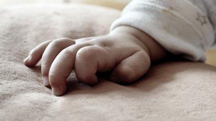 В Воронежской области продлили арест матери, задушившей подушкой 2-месячную дочь